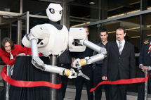 Robot ribbon-cutting