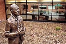 Carver statue outside Seed Science Center