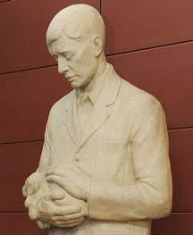Christian Petersen's Gentle Doctor sculpture